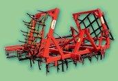 Maszyny i narzędzia Agregat uprawowy jest zestawem brony zębowej redlicowej...