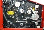 Prasy prasa belująca z rotorem i nożami wyposażona w centralne...