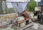 - 1980 maszyna do pielęgnacji i okrywania roślin
