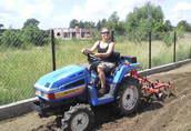 Japońskie mini traktory ogrodnicze Warszawa 4